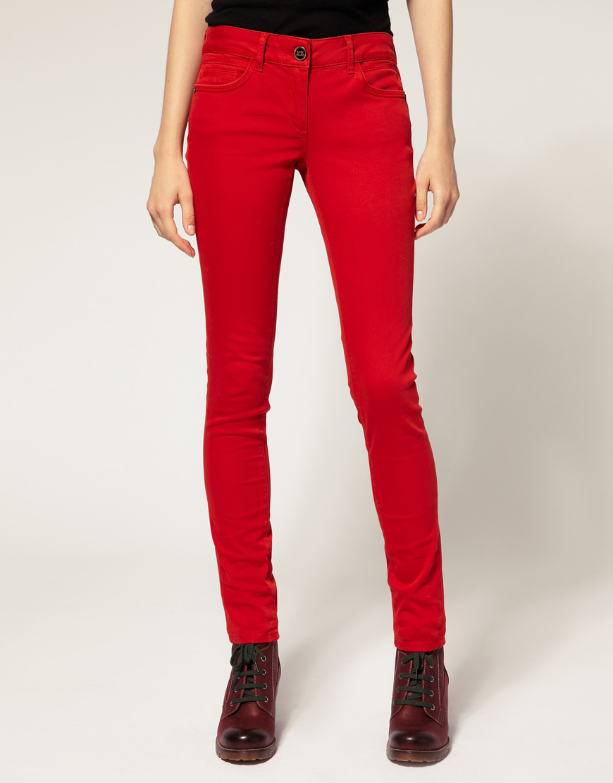 Hudson Jeans makes designer jeans for women in premium denim as well as on trend bomber jackets, women's black jeans, denim jackets, cargo pants, denim shorts and much more. Find the best women's jeans for you, from skinny jeans and high waisted jeans, to flare jeans, bootcuts, our signature baby boot, boyfriend jeans, jean shorts, and many.