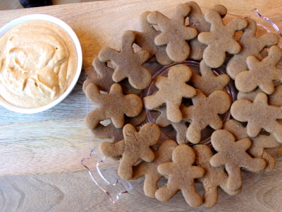 gingerbread men and pumpkin dip